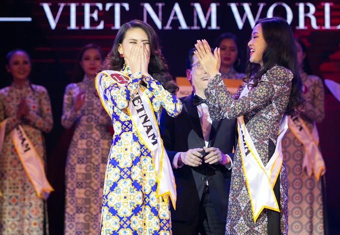 Bản sao Ngọc Trinh đăng quang Á hậu Áo dài tại CH Czech