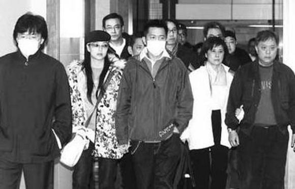 Lý giải nụ cười của Trương Bá Chi trong đám tang Thiên hậu nổi tiếng nhất Hồng Kông