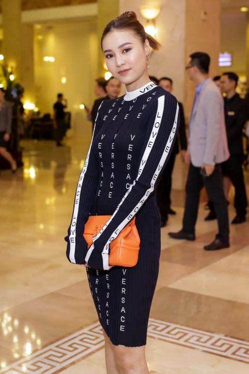 Phạm Hương chi gần 20 triệu, mua phải 'đầm cũ' của Angela Phương Trinh, Huyền Baby