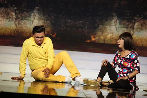 Thanh Bạch rơi nước mắt vì vợ chồng cải lương nghèo U50