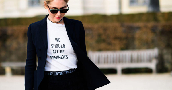 Fashionista thế giới và cơn sốt áo thun đơn giản