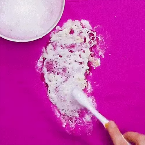 Đây chính là cách xử lý 5 vết bẩn truyền kiếp của quần áo một cách nhanh gọn