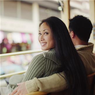 Tìm câu trả lời cho việc bạn đang yêu thật sự hay chỉ do thói quen