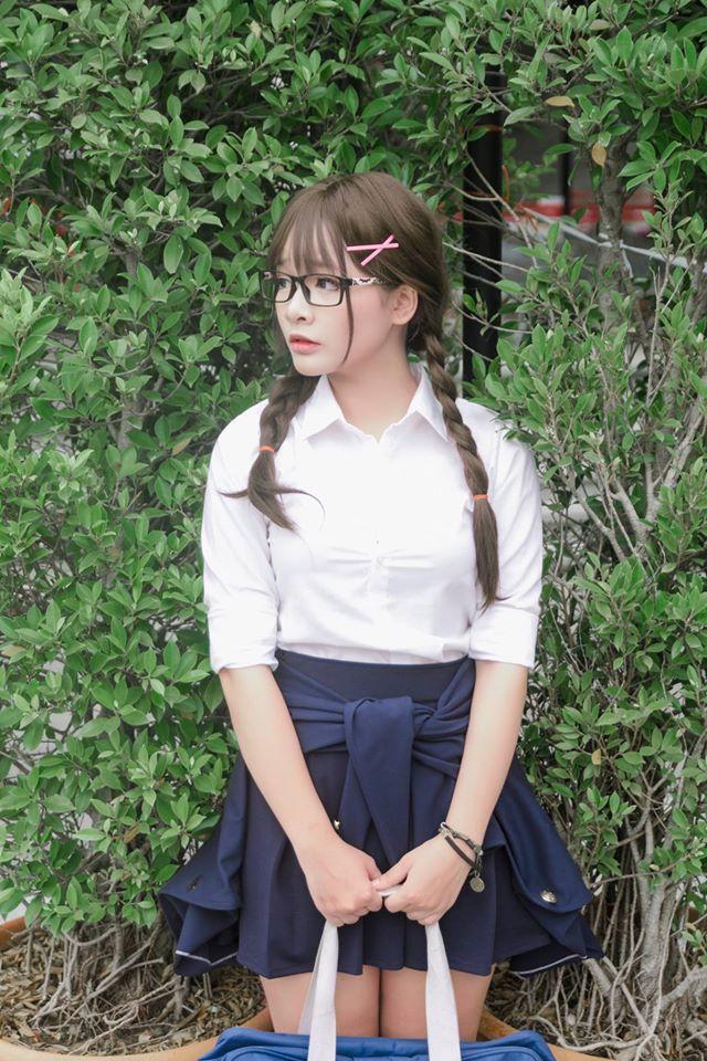 Nữ game thủ Phạm Minh Châu bất ngờ tung bộ ảnh cosplay School Girl cực gợi cảm