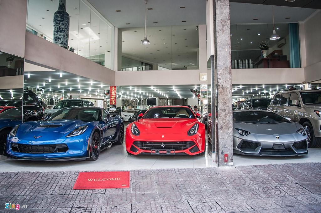 Con phố chuyên bán siêu xe và xe siêu sang tại Sài Gòn