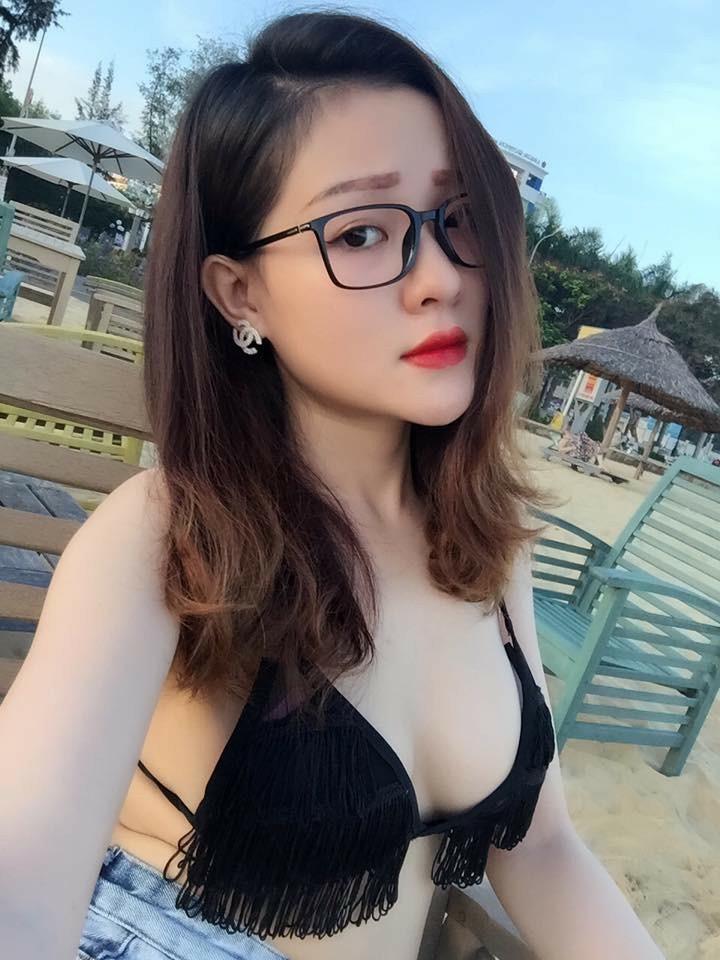 Ngân 98 khoe ngực khủng, sexy bên Quang Hà sau thi The Face