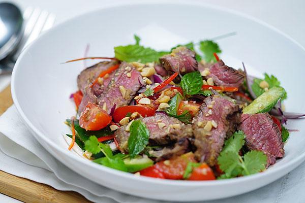 [Chế biến] - Salad bò kiểu Thái