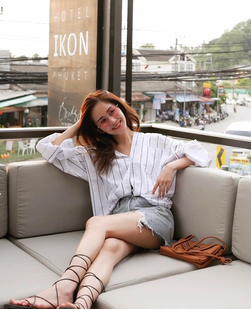 Vẻ sang chảnh, sành điệu của hot girl số 1 Malaysia