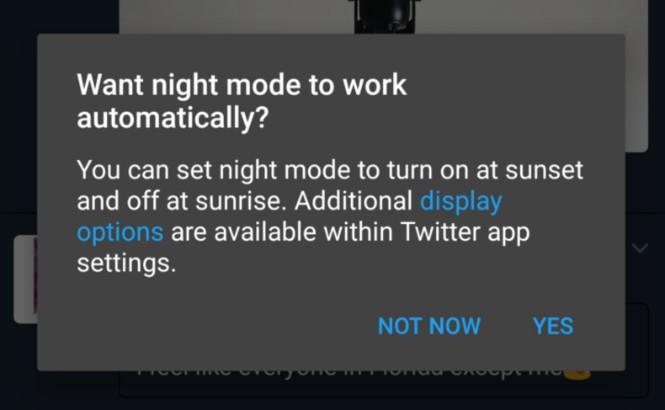 Twitter thử nghiệm chế độ tự động kích hoạt tính năng đọc ban đêm - Hình 1