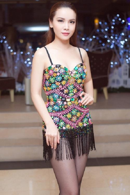 Yến Trang tung ảnh bikini khoe đường cong nóng rát mắt