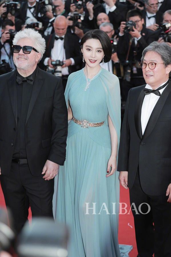 Không thua kém mỹ nhân Âu - Mỹ, dàn người đẹp Trung Quốc gây chú ý vì hàng hiệu xa xỉ