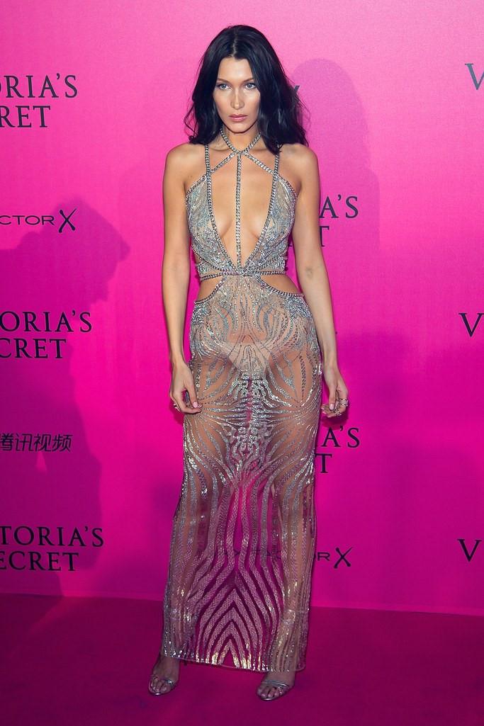 Bella Hadid: Mỹ nhân chuộng váy xẻ cao trên thảm đỏ