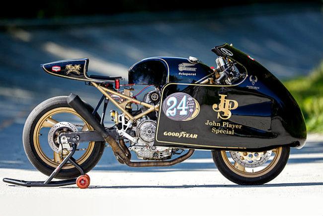 Chết mê Ducati Monster bản độ Mèo săn chuột - Hình 1