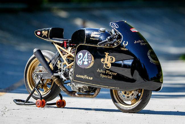 Chết mê Ducati Monster bản độ Mèo săn chuột - Hình 3