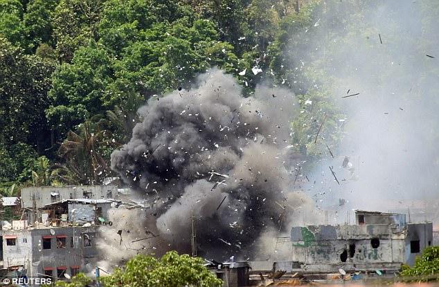 IS đốt trường học, bắt giữ con tin ở Philippines - Hình 2