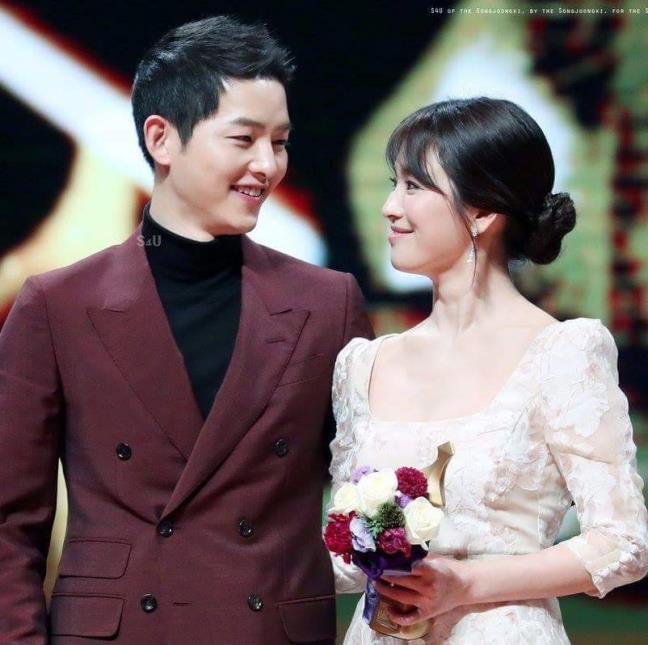 Nhũng cặp đôi sao Hàn được fan mong phim giả tình thật nhất - Hình 2