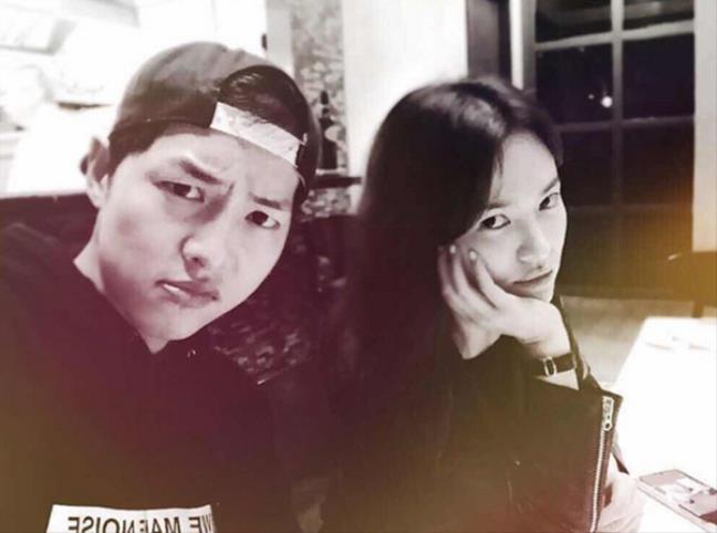 Nhũng cặp đôi sao Hàn được fan mong phim giả tình thật nhất - Hình 3