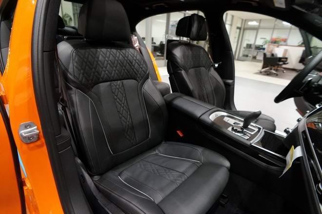 BMW 750i màu cam độc đáo có giá 3 tỷ đồng - Hình 5