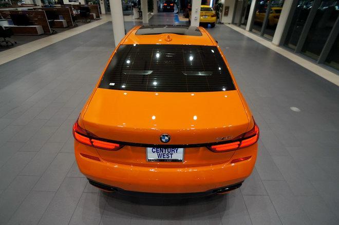 BMW 750i màu cam độc đáo có giá 3 tỷ đồng - Hình 3