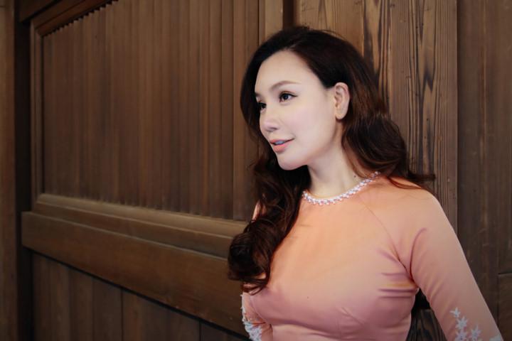 Mãn nhãn ngắm Hồ Quỳnh Hương thướt tha mặc áo dài tại Nhật Bản - Hình 2