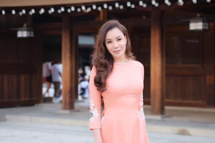 Mãn nhãn ngắm Hồ Quỳnh Hương thướt tha mặc áo dài tại Nhật Bản - Hình 6