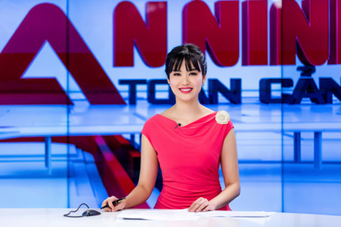 Những mỹ nhân Việt lựa chọn vai trò BTV, MC truyền hình để thử sức - Hình 1