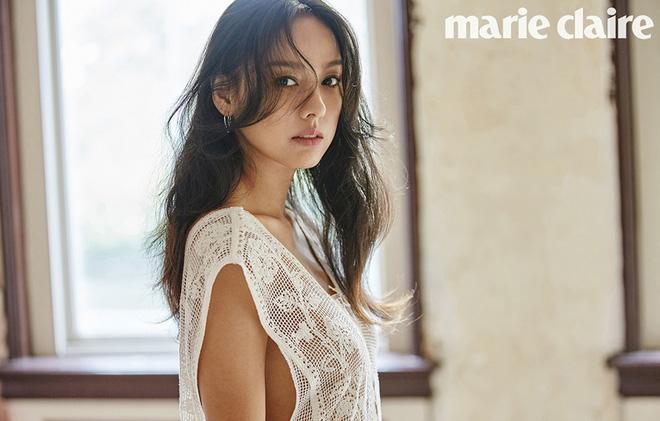 Cô tiên quốc dân Lee Hyori chiêu đãi người hâm mộ với bộ hình bikini nóng bỏng - Hình 5