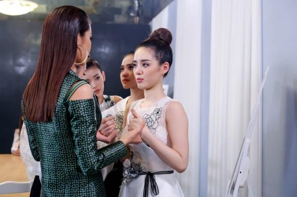 Minh Tú xin lỗi khán giả sau màn cãi tay đôi với Lan Khuê
