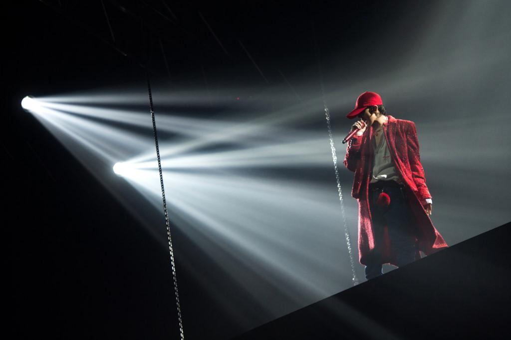 G-Dragon tái hiện chặng đường âm nhạc trong đêm diễn riêng