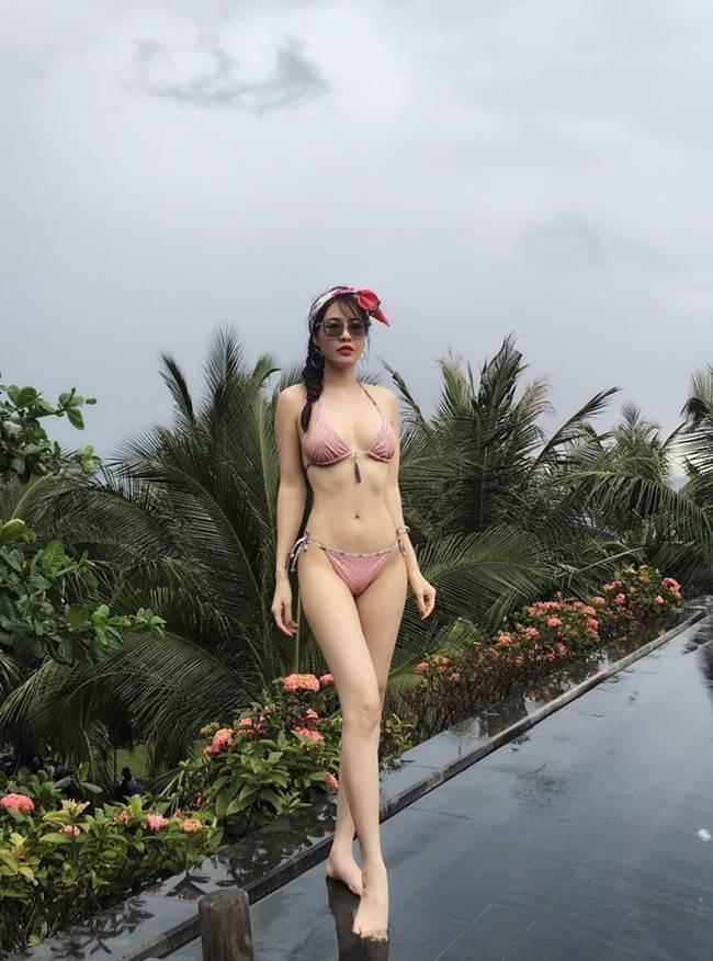Top những mỹ nhân Việt mặc bikini bé xíu gợi tình bậc nhất