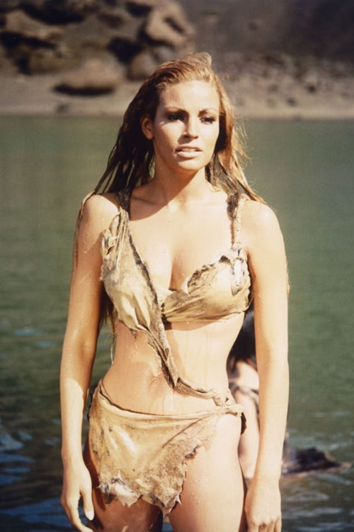 Đây chắc chắn là những bộ đồ bơi gây hoang mang nhất quả đất!