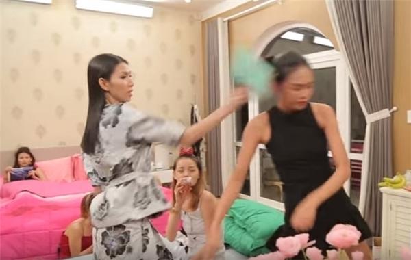 Sốc: Thùy Dương, Cao Thiên Trang bị loại ngay vòng gửi xe của The Face