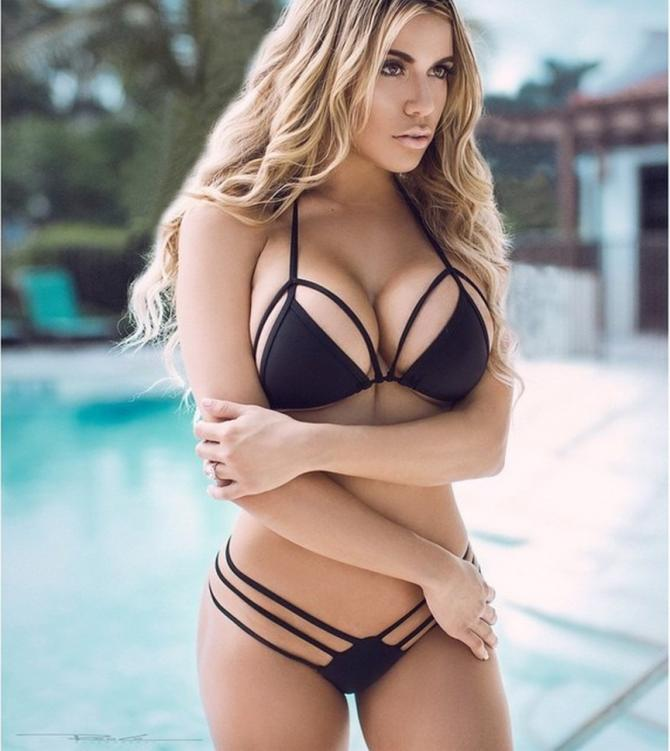 Chantel Zales: Siêu mẫu ngực khủng đa tài nhất thế giới
