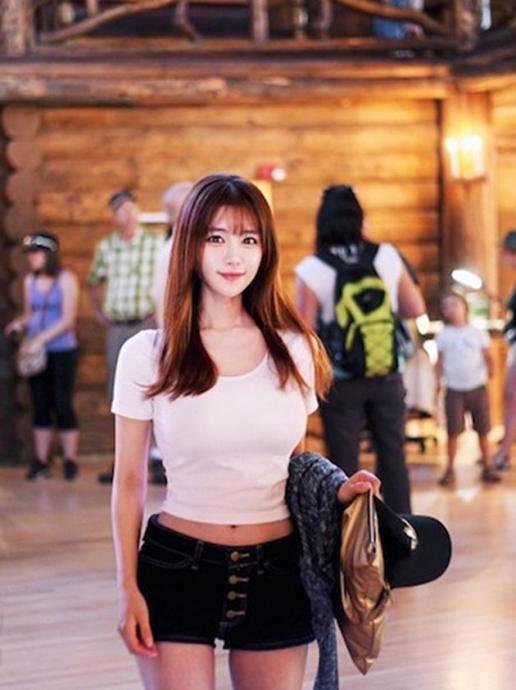 Hot girl Hàn Quốc sở hữu vòng 1 khủng nhất châu Á