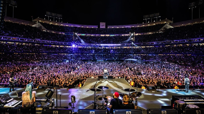 Bị Trung Quốc cấm diễn, Justin Bieber vẫn kiếm được 63 triệu USD