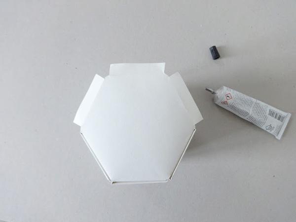 Làm lọ cắm bút từ giấy bìa đơn giản tới không ngờ