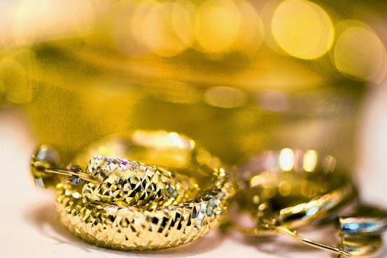 Giá vàng hôm nay 4.7: Lao dốc không phanh do nhà đầu tư tháo chạy?