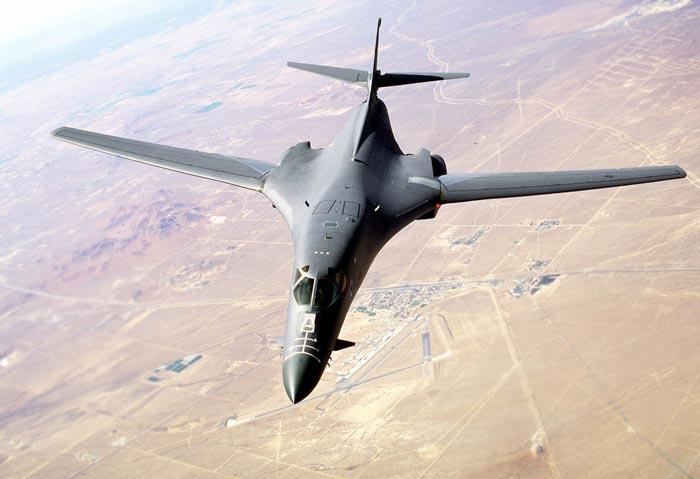 Mỹ điều 2 máy bay ném bom đi dằn mặt Triều Tiên - Hình 1