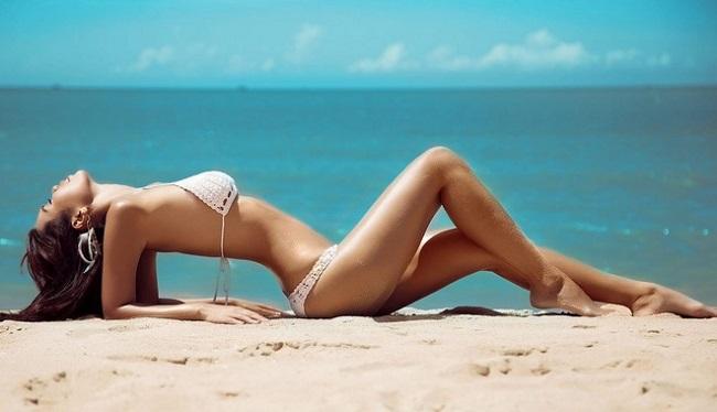Thần Vệ Nữ Việt sexy với bikini dễ gây hiểu nhầm không mặc gì - Hình 17