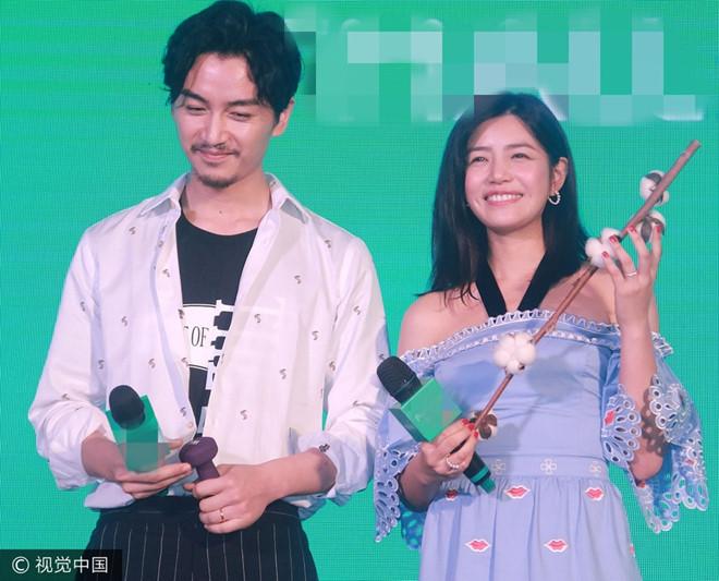 Dương Quá, Tiểu Long Nữ lần đầu dự sự kiện chung sau lễ cưới
