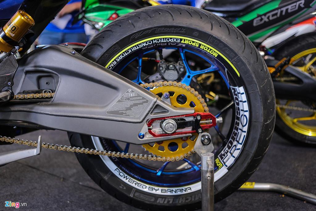 Exciter 150 độ dàn chân khủng của biker Việt