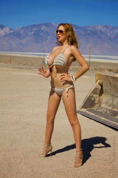 Girl xinh siêu khủng Jordan Carver bikini - Hình 39