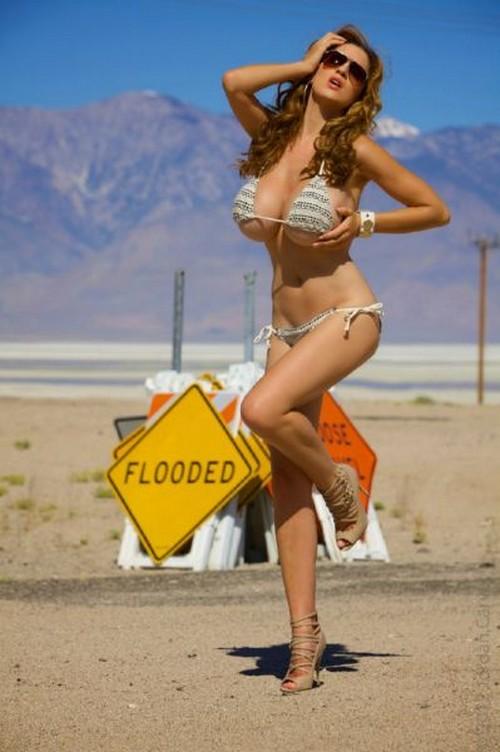 Girl xinh siêu khủng Jordan Carver bikini - Hình 30