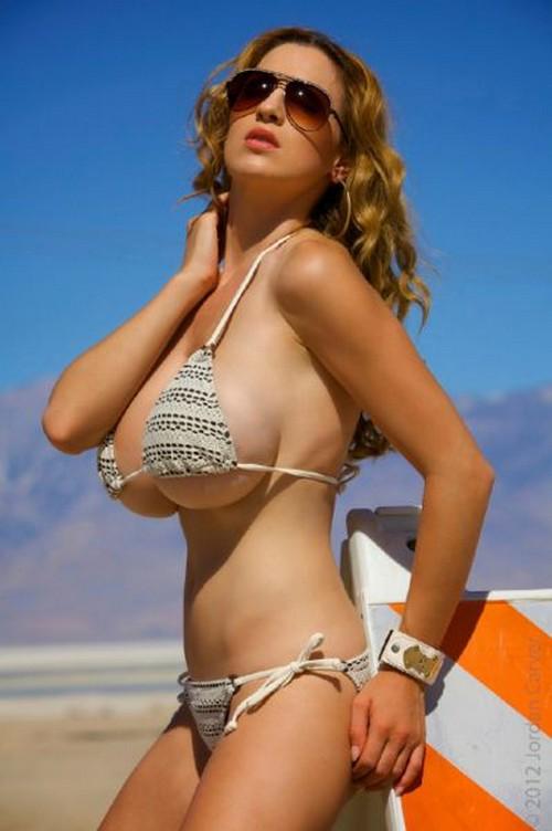Girl xinh siêu khủng Jordan Carver bikini - Hình 40