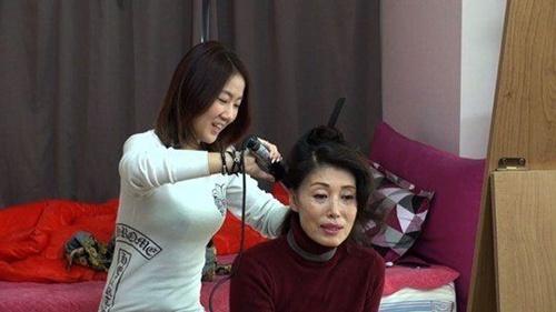 Những idol Hàn từng phải làm mọi việc miễn là kiếm ra tiền