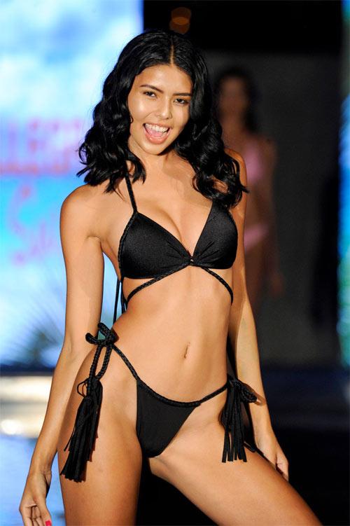 Người mẫu diễn sung bung bikini trước hàng trăm ánh nhìn - Hình 7