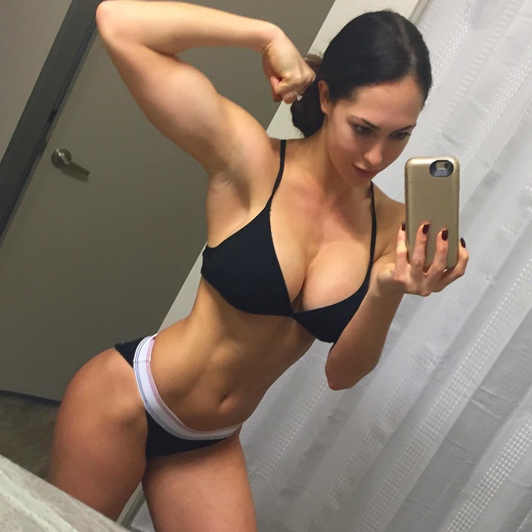 Body siêu nóng bỏng của nữ hoàng phòng Gym