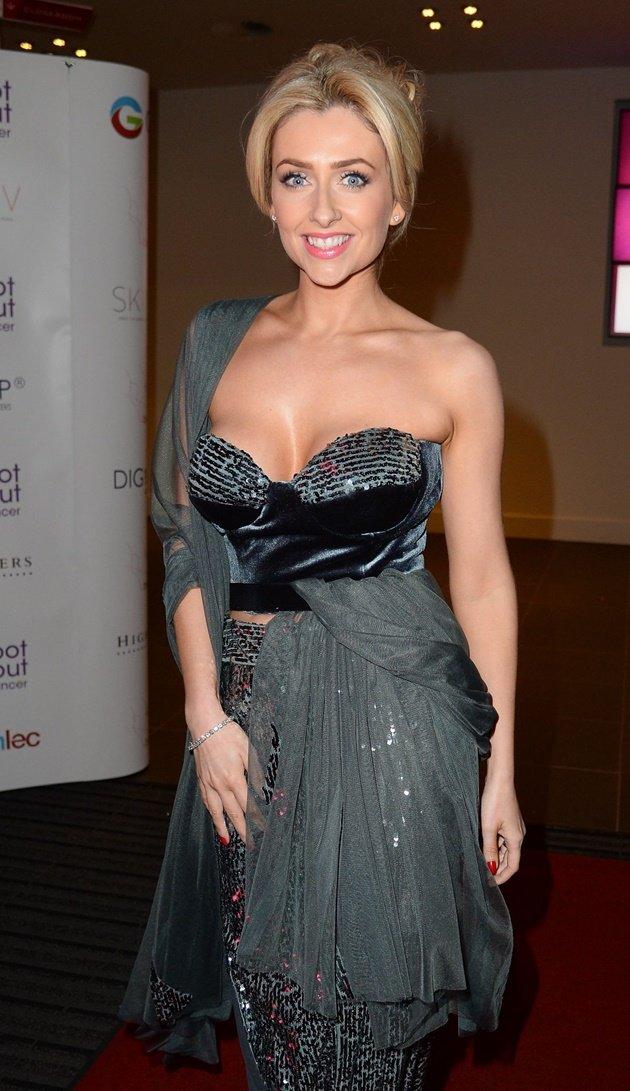 Nữ diễn viên gợi cảm khẳng định M.U là ứng viên vô địch Ngoại hạng Anh