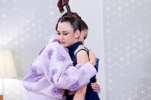 Tâm thư của Hoàng Thùy gửi Phương Chi sau khi cãi nhau ở The Face