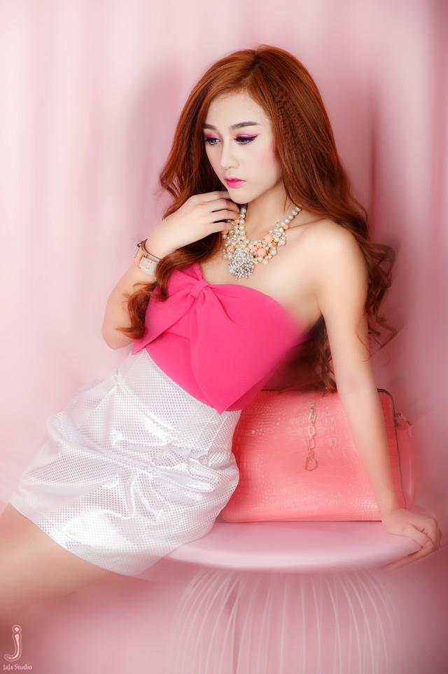 Yuu Quỳnh Nhi hóa thân vào búp bê Barbie xinh xắn , dễ thương